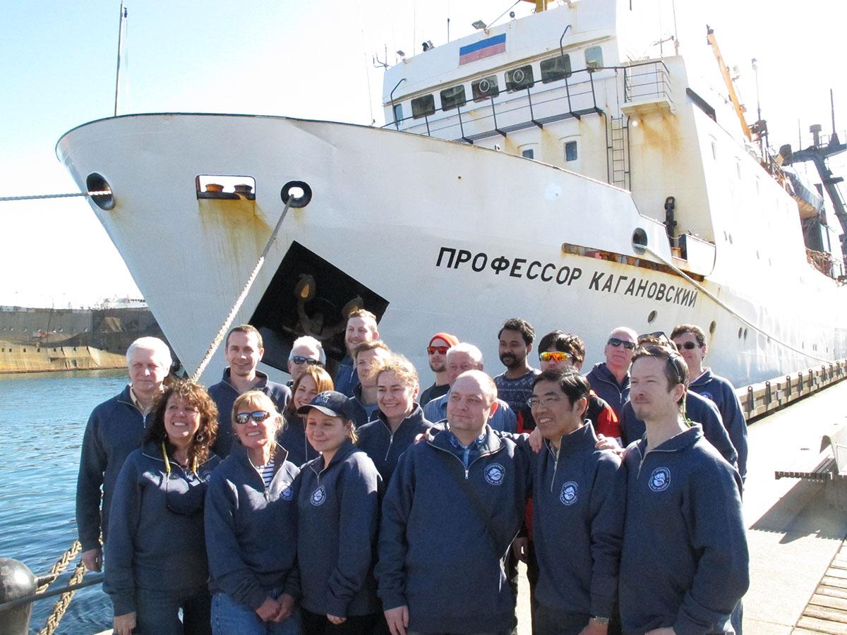 Russian scientific vessel is back to Canada